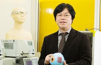 신소재 한세광 교수팀, 스마트콘택트 렌즈 개발 '렌즈로 혈당 측정 기대'